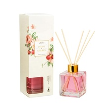 100 ml <span class=keywords><strong>Nieuwe</strong></span> Ontwerp Vierkante Glazen Fles Vloeibare Luchtverfrisser Type Aroma Reed Diffuser