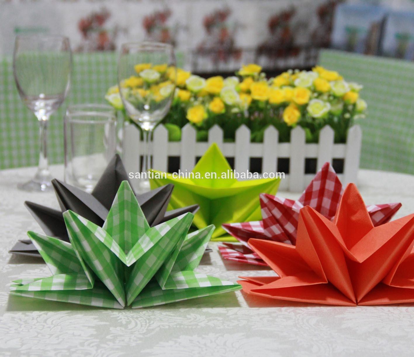 pr pli serviettes en papier origami pr pliage serviettes serviettes papier serviettes. Black Bedroom Furniture Sets. Home Design Ideas