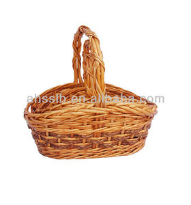 2013 Christmas Oval Willow Gift Basket