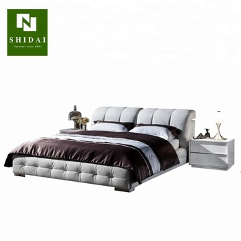 Guangzhou King Size Modern White Lacquer Bedroom Furniture Set
