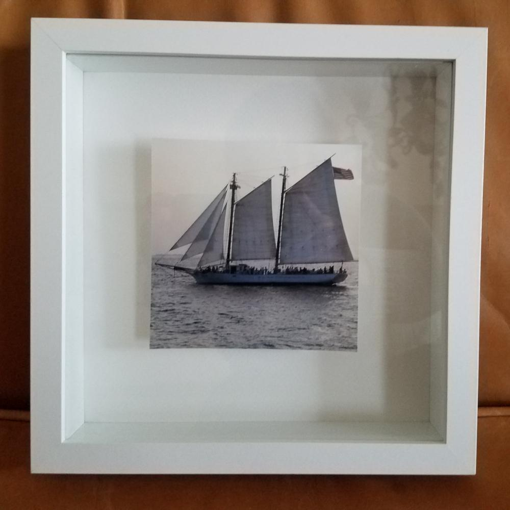 Souvenir white wood shadow box picture photo framed wall art