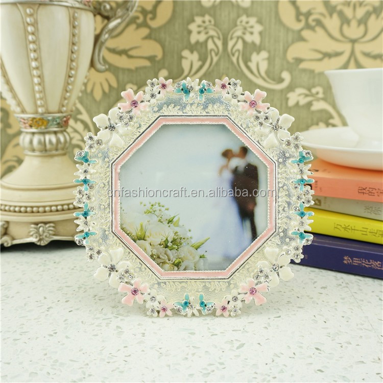 Kiss Couple Photo Frame Wholesale, Photo Frame Suppliers - Alibaba