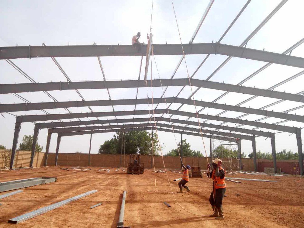 Low Cost China Prefabricated Modern Design Fast Assembly Steel Frame