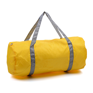 01ed92e0167d Factory price Outdoor sport bags Promotional Unisex gift bag lightweight  waterproof Gym clothing duffel Bag
