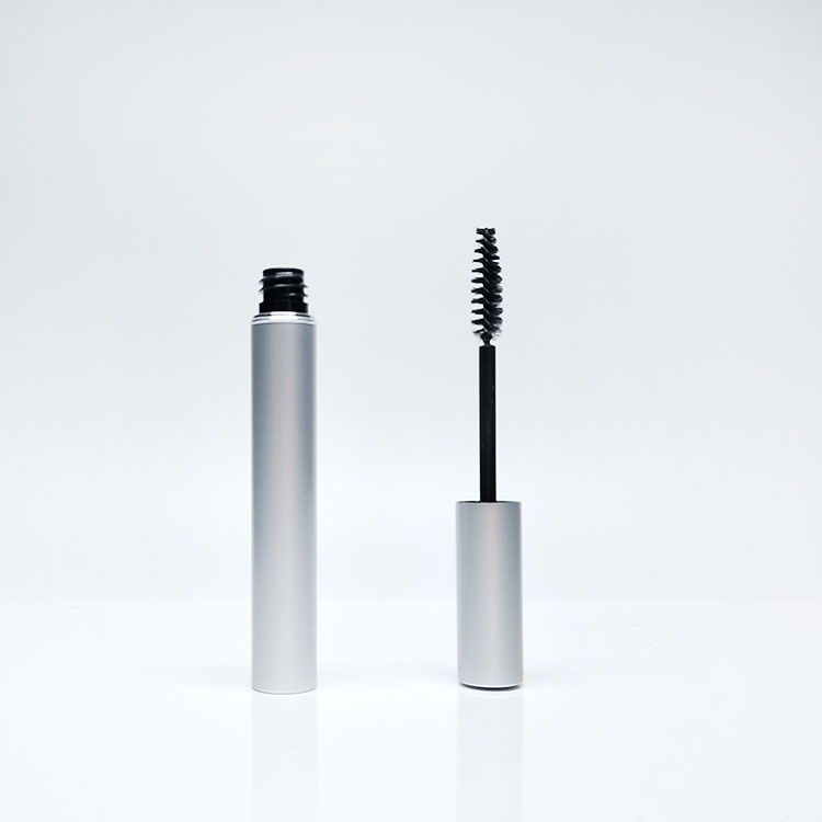 MIGPACK unique eyelash tube the explosion selling double lip gloss liner bottle round shiny red