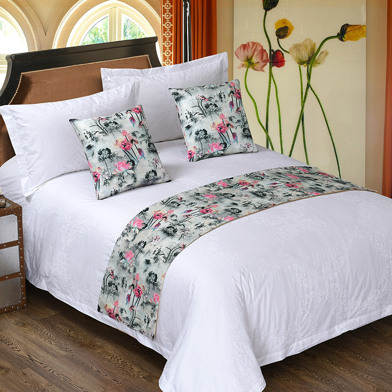 wholesale flower print design hotel bedroom decorative king size bed runners and cushion set