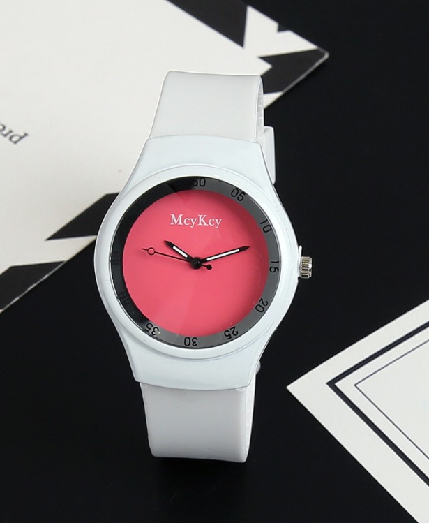 Lady's White Silicone Sports Fitness Wrist Watch Fashion Women Watches Jelly Silicone Luxury Brand Watch Mujer reloj de silicona