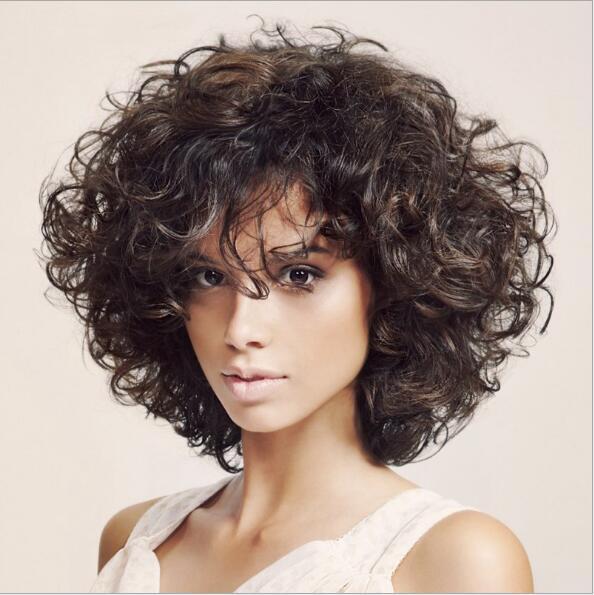 Coupe cheveux boucles bruns
