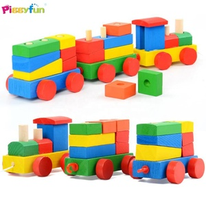 Wholesale Hot Selling Wooden Pull Train Diy Creative Toy for Kids AT12083