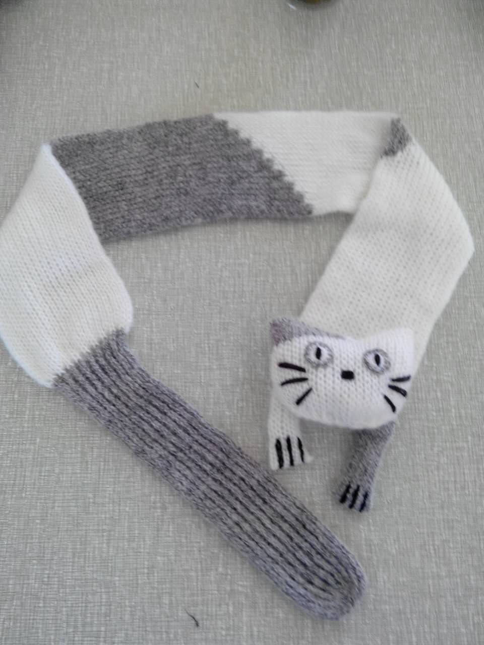 Hot Sale Very Fashion Handmade Knitting Mohair Animal Cat Scarf