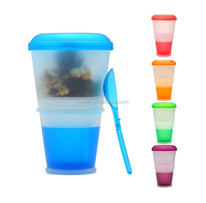 Plastic Breakfast Cup with Insulated Cooling Compartment and Spoon/Cereal Muesli Breakfast to go Cup with spoon and freeze