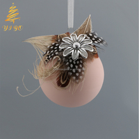 Hot sale Xmas tree globe ornament glass Christmas ball with feather