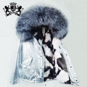 Women to keep warm Elegant fuzzy It's silver on the outside fur coat