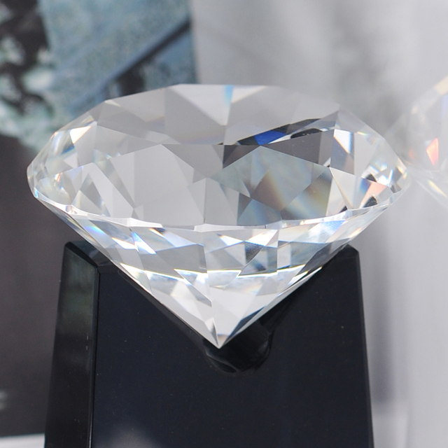 Color crystal diamond shape customizable and engraving awards and trophies