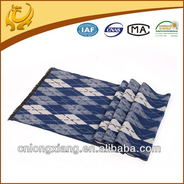2015 New Design Various Color Diamond Jacquard Winter 100% Silk Scarves Made In China
