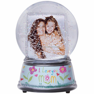 Custom Snow Globe Manufacturers Insert Squirrel Plastic Water Globe