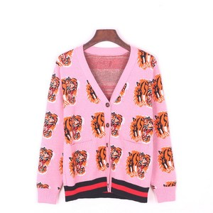 Benutzerdefinierte Strickjacke Tiger Logo Jacquard Dicke warme Damen Strickjacke