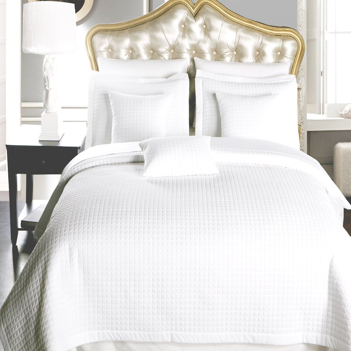 Twin / Twin Extra Long size White Coverlet 2pc set, Luxury Microfiber Checkered Quilt by Royal Hotel