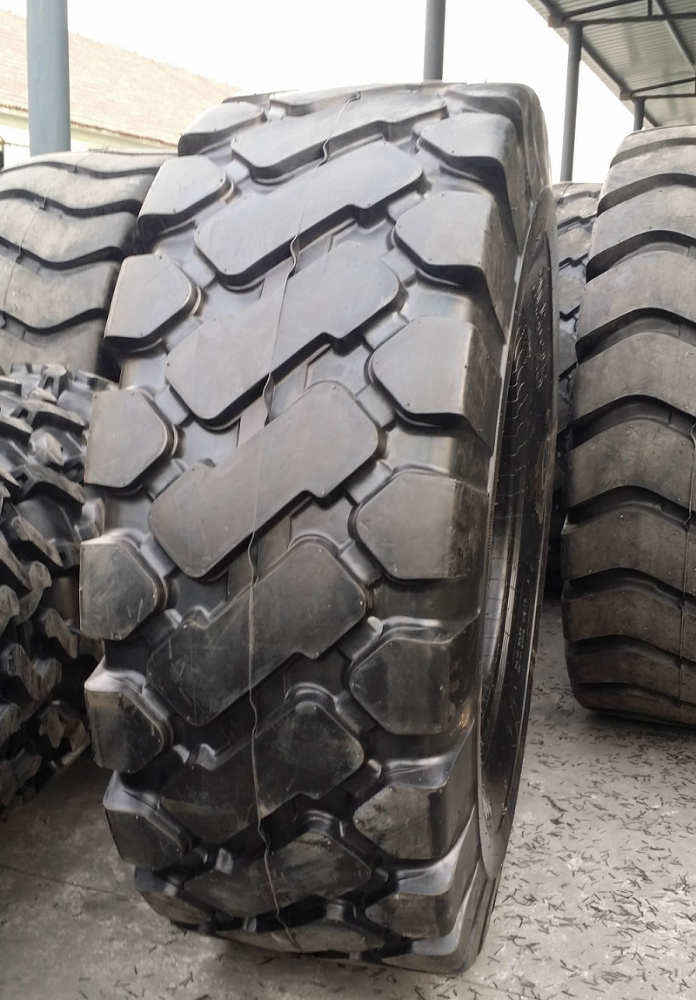 40.00R57 Discount Radial OTR Tyre 23.5-25 1400 25 OTR Mining Truck looking for italy french Australia geramn usa Malaysia agent
