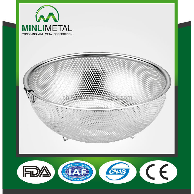 Kitchen Stainless steel Precision pierced Washing vegetable colanders &stainers with one ouch 16cm