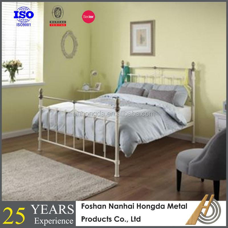 Nuevo diseño de doble marco de la cama con latón-Camas de metal ...