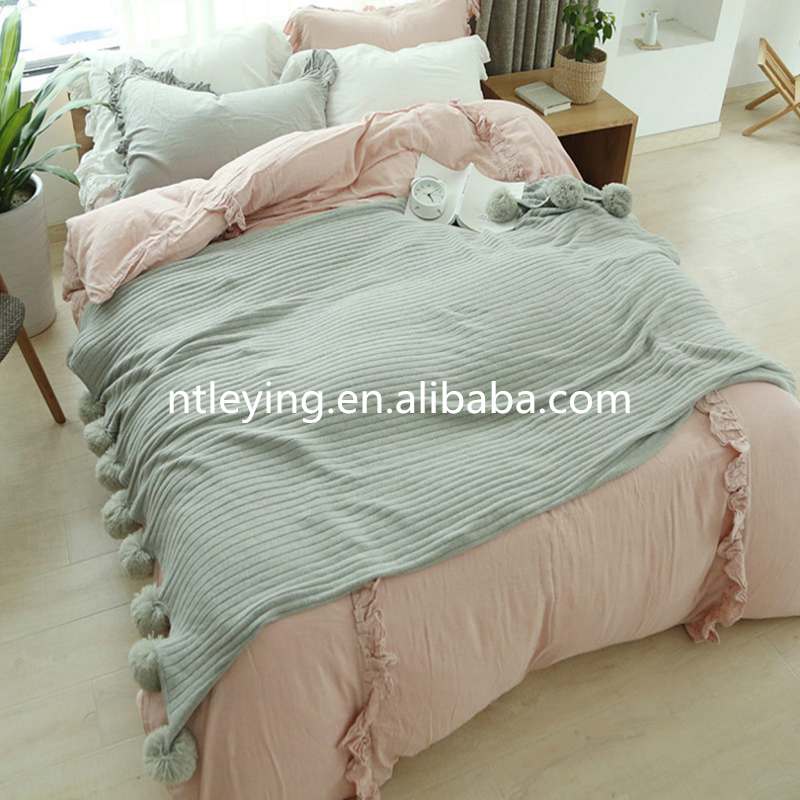 High quality Throw Pompom Blankets Cozy Cotton Cable Knitted Couch Cover Blanket with LYKB002