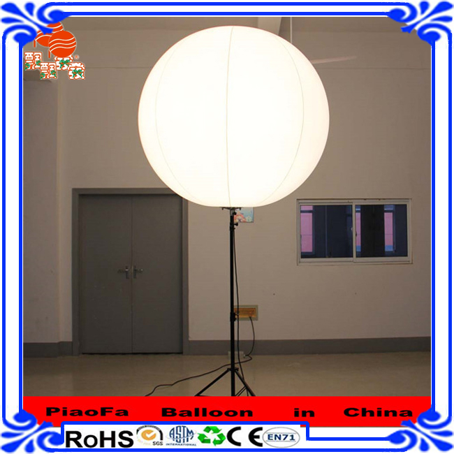New Arrivals 2016 Wholesale Large Stand PVC+LED Balloon With Christmas Decoration