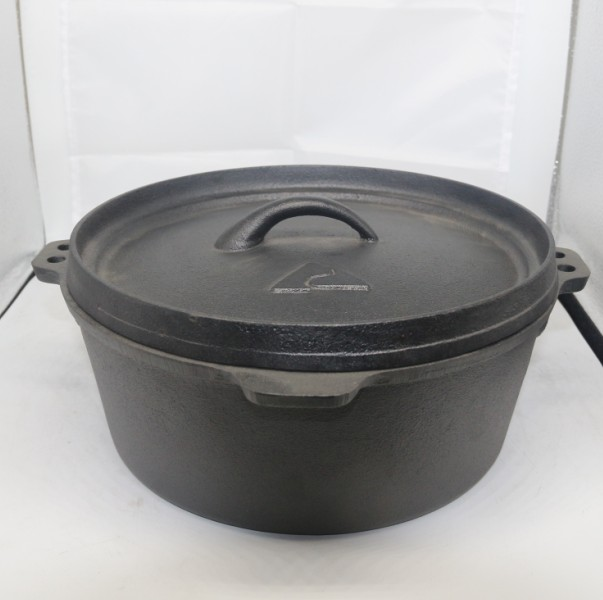 13 years Yikang cast iron camping dutch oven pot with stainless steel handle in Pre-seasoned camping cookware camping oven