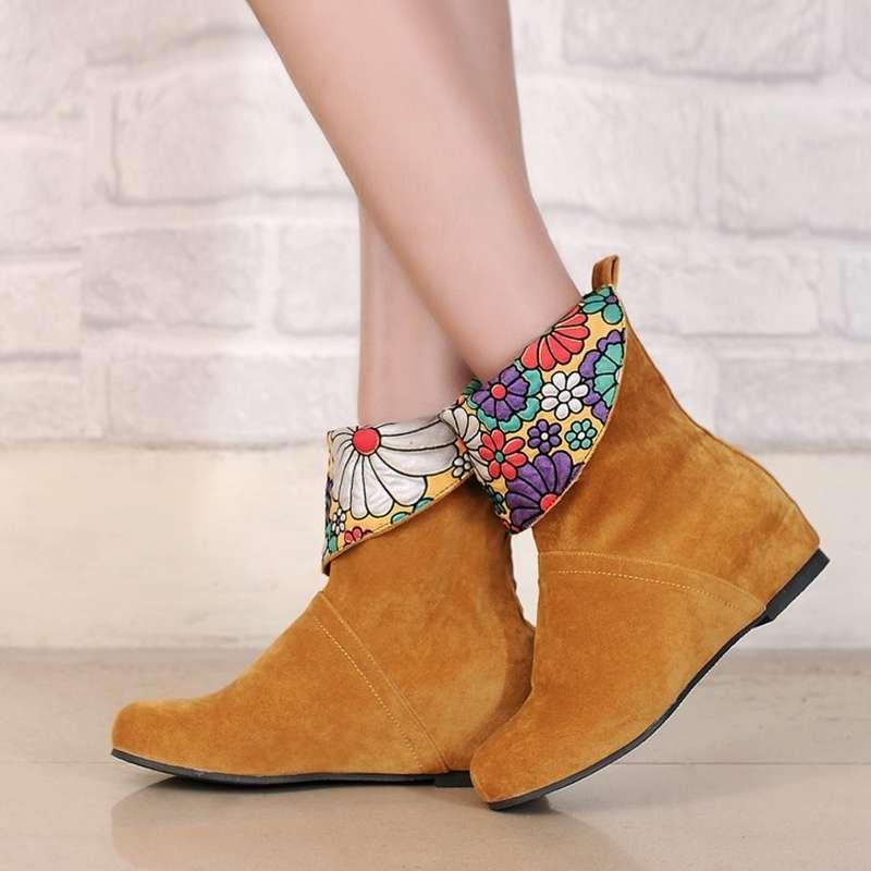 Factory Sale Beautiful Female Flat Heel Solid Slip On