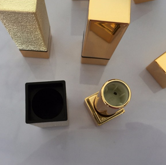 Free samples empty 5g black line square gold plastic lipstick case with UV spray coating
