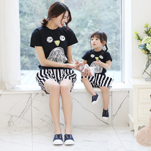 2016 New coming Family Matching outfit Soft Cotton Bird Eye nose print T shirt Striped shorts