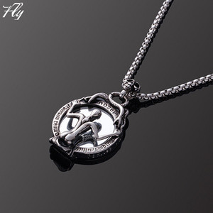 Factory Wholesale Specially Designed Look In The Mirror Pendant Necklace