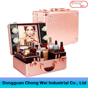 2017 latest professional rolling vanity 4 Legs Aluminum Trolley Cosmetic Make Up Case With Lights Mirror