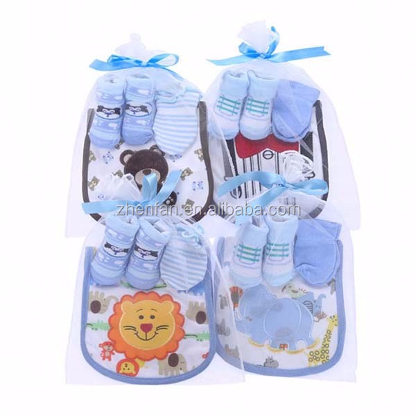 3 pack in a gift bag cheap cotton baby socks with bibs and gloves