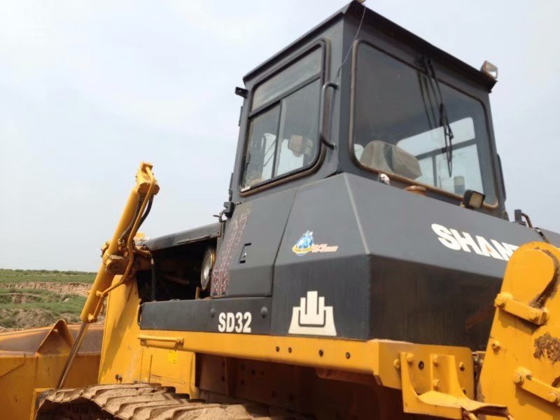 Used Bulldozer SD32 with High Performance second hand sd16 sd22 sd32 crawler bulldozers for sale