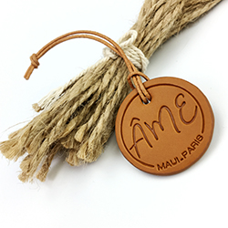 custom logo fashion popular hot selling fancy garment wooden hang tags