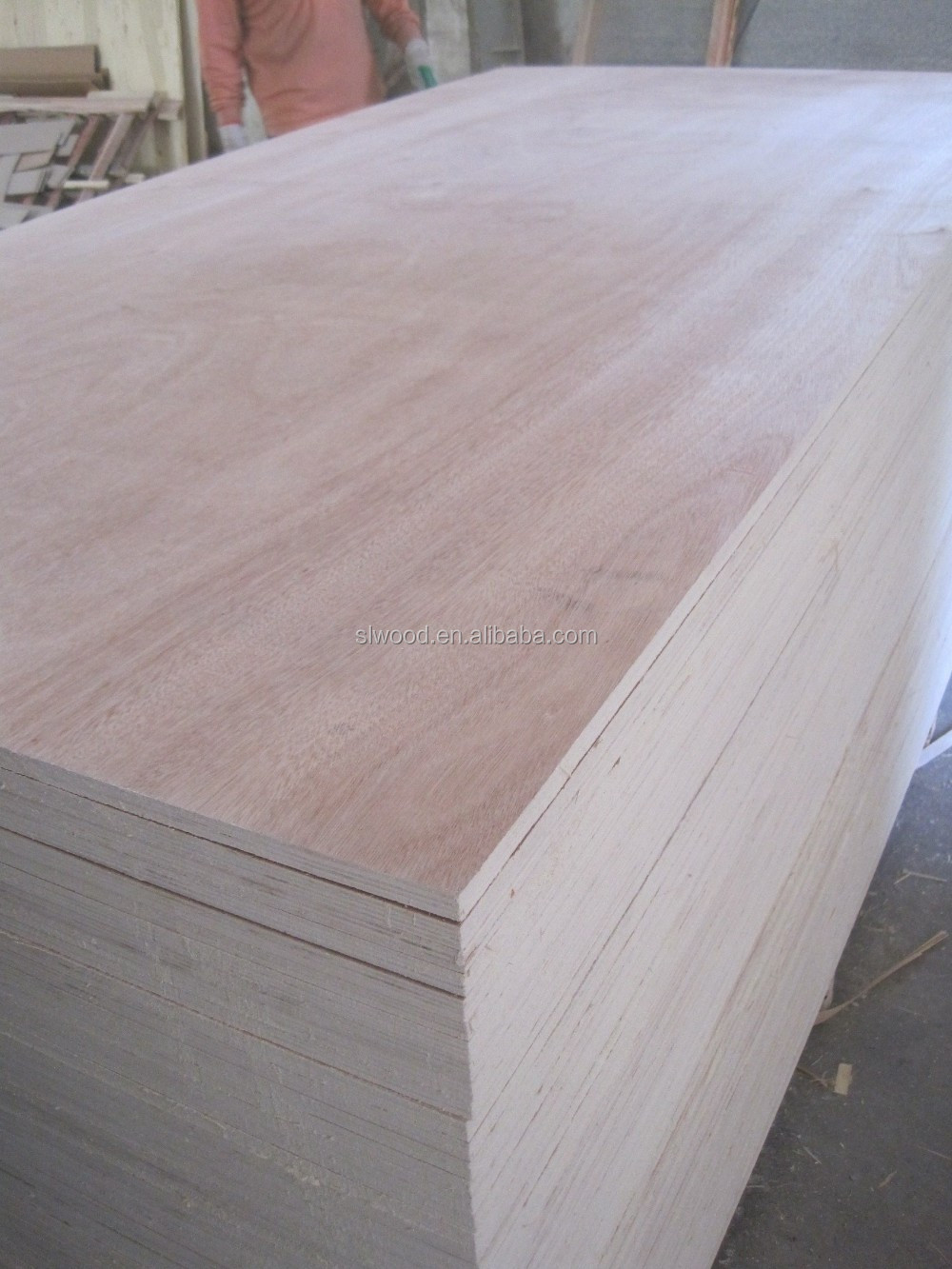 High quality low price 1220x2440 radiata pine veneer for Furniture quality plywood