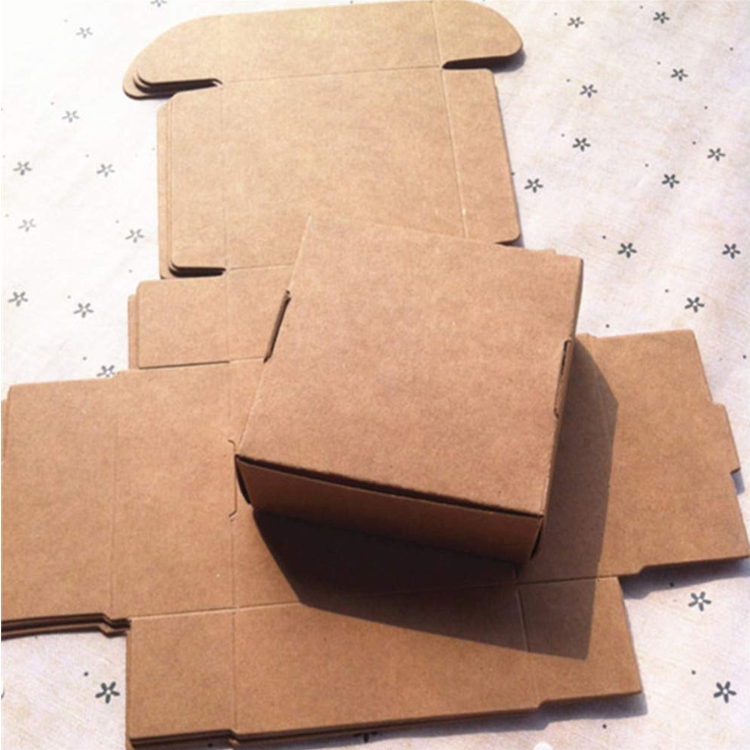 Eco-Friendly Brown Paper Carton Kraft Paper Box for Gift Box Candy Box for Chocolate Party Favor