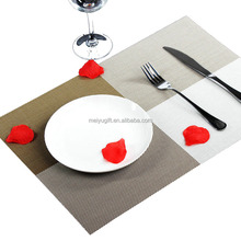 Fadeless plastic fabric dinner table placemat for dining table