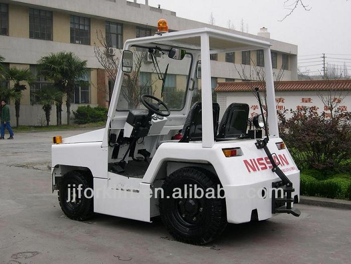 Aircraft Tow Tractor for airport QCD25-KM China Tractor Truck electric tow tractor