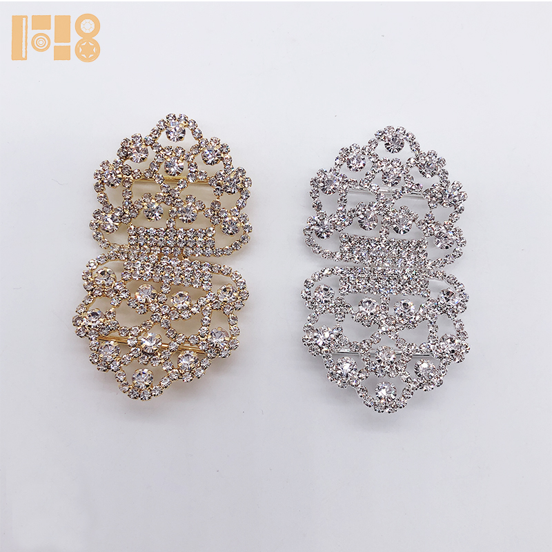 2019 Wholesale sale high quality flower shape gold and silver plated rhinestone <strong>buckle</strong> for ribbon/shoe decoration