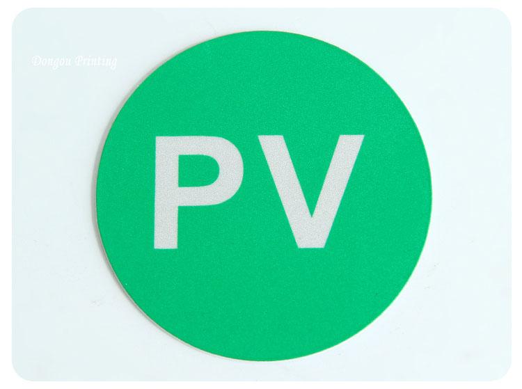 Avustralya standart 3M yapıştırıcı kazınmış ABS güneş enerjisi uyarı kitleri ABS yuvarlak PV etiket kitleri