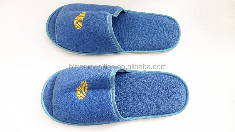 94f4b15ba10618 Pakai sandal hotel bisa dicuci dengan mesin warna biru handuk terry sandal  hotel