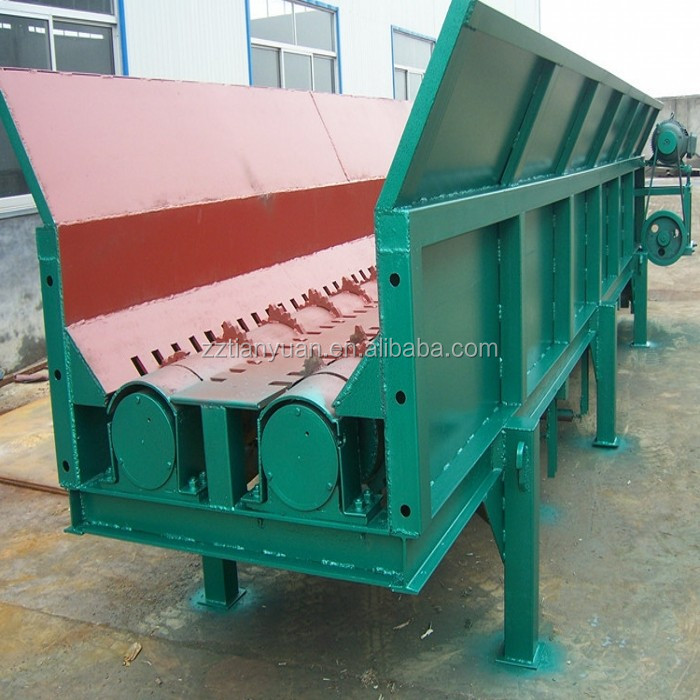 Tree branches and logs wood log debarking machine