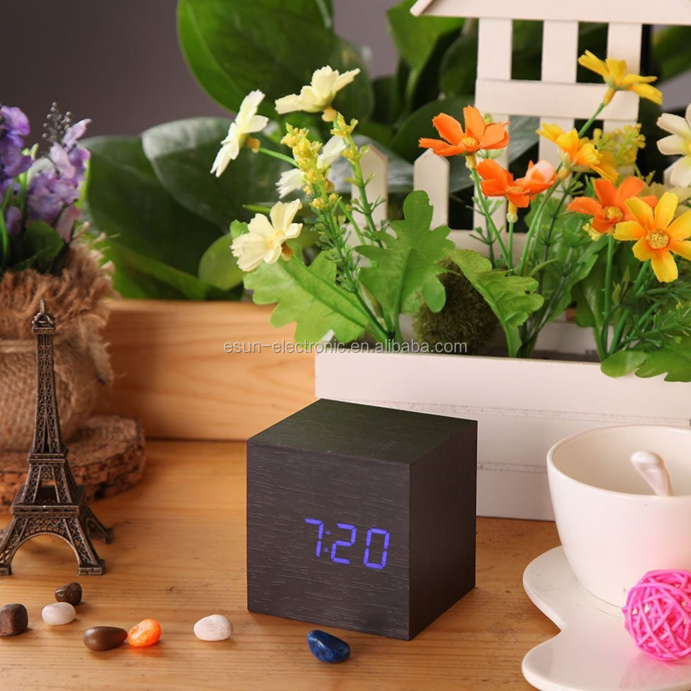 Desktop Table Clocks Despertador Digital LED Square Alarm Wood Wooden clock with temperature display and voice control function