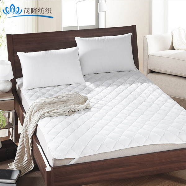 Factory Wholesale high quality anti-slip quilted mattress protector/pad waterproof for hotel/home/hospital
