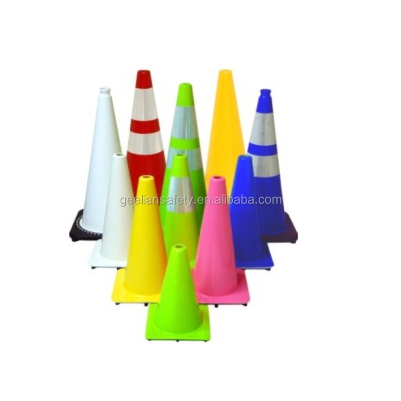 Üretim Sıcak Satış Plastik PE Kullanılan Güvenlik Yol Trafik Konileri Kauçuk Taban Ile