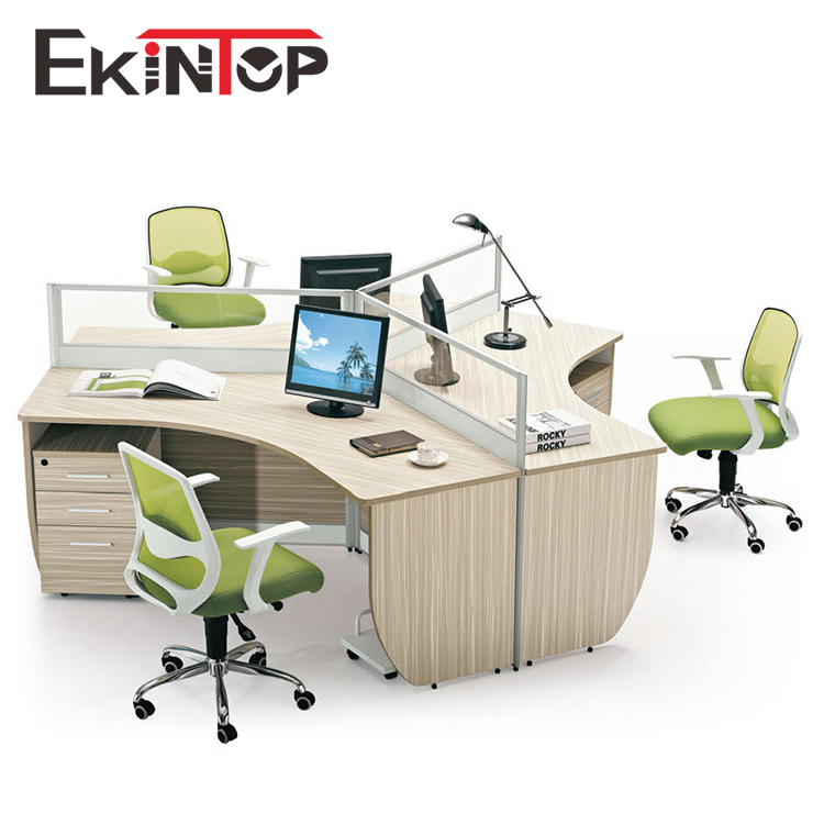 Open 3 Person 120 Degree Office Cubicle Workstation Furniture For Staff