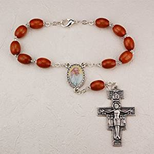Auto Rosary - Brown Wood Pope Francis Auto Rosary with San Damiano Crucifix and Pope Francis Centerpiece .