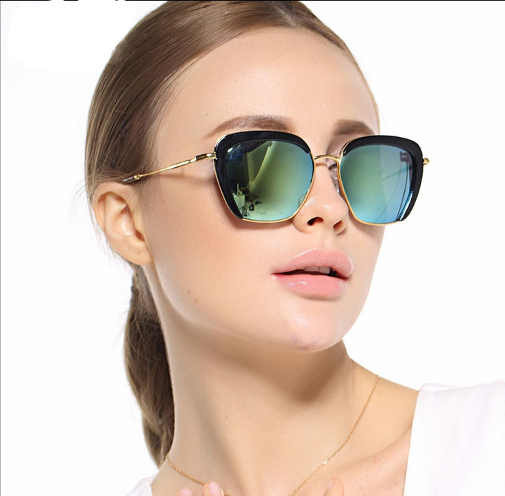 37f2dbef49 Get Quotations · Color film factory direct men and women sunglasses frog  mirror reflective sunglasses driving sunglasses wholesale 5535